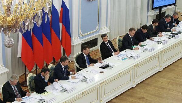 Д. Медведев проводит заседание комиссии по модернизации