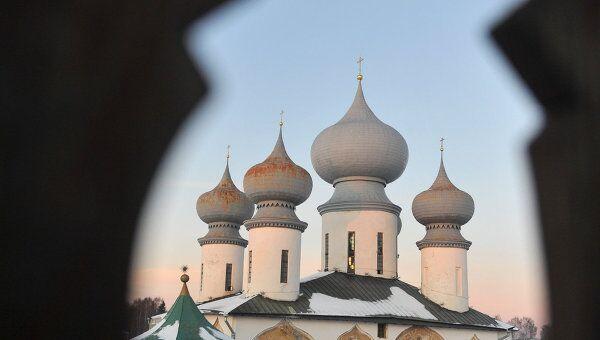 Тихвинский Богородице-Успенский мужской монастырь. Архивное фото