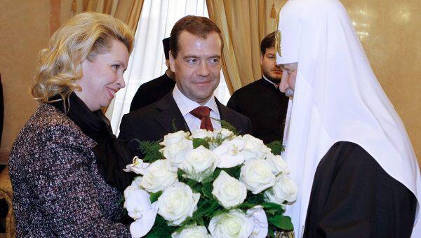 Д.Медведев поздравил патриарха Кирилла с трехлетием интронизации