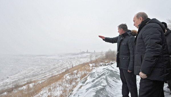 Премьер-министр РФ В.Путин посетил поселок Роза у Коркинского разреза