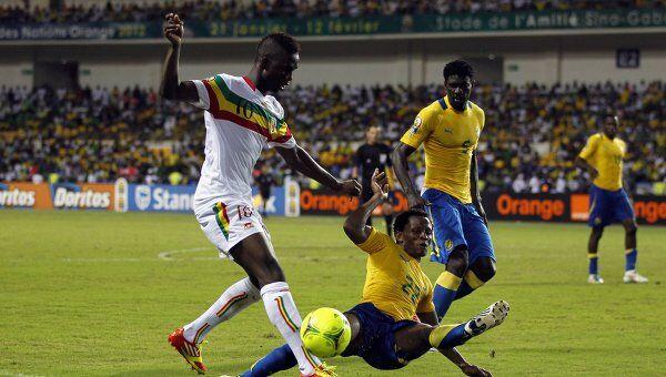 Игровой момент матча Габон - Мали