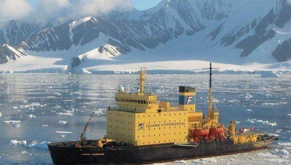 Ледокол Капитан Хлебников покинул зону плотных дрейфующих льдов