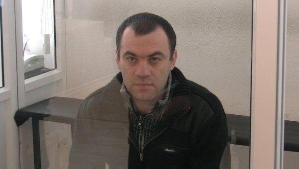 Обвиняемый в массовом убийстве отказался общаться с журналистами