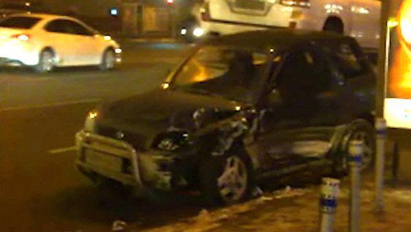 ДТП с участием 4 автомобилей заблокировало движение в центре Москвы