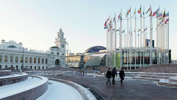 Площадь Европы у Киевского вокзала. Архив