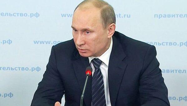 Путин потребовал разработать четкий механизм контроля расходов ОПК