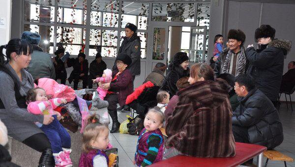 Эвакуационный пункт, куда собираются жители Кызыла после землетрясения