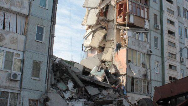 В Астрахани из-за взрыва газа обрушился подъезд жилого дома