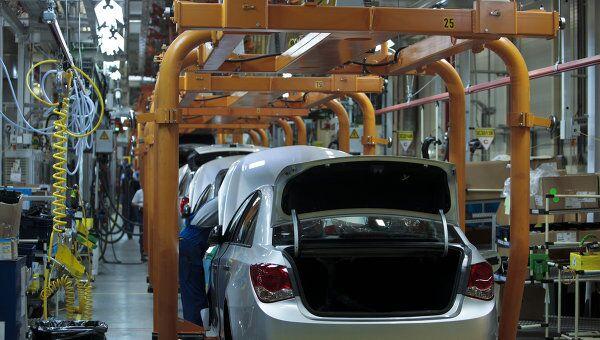 Начало производства малогабаритных автомобилей Opel Astra на заводе General Motors в производственной зоне Шушары-2 Санкт-Петербурга. Архив