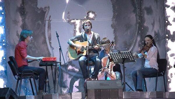 Вася Обломов выступил на Чартовой Дюжине.Топ-13 со скрипачами