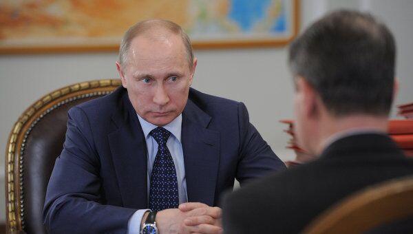 Премьер-министр РФ В.Путин встретился с министром культуры РФ А.Авдеевым