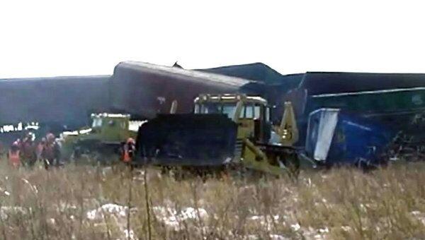 Место столкновения поездов в ЕАО расчищают тракторами