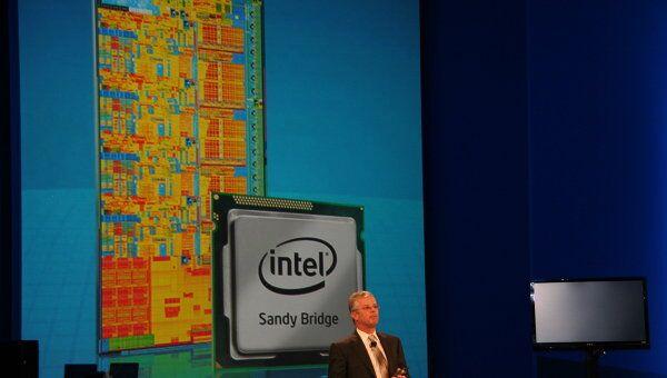 Вице-президент Intel Дэвид Перлмуттер представляет новые процессоры на конференции IDF