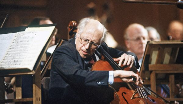 Выступление Национального симфонического оркестра США под управлением М.Ростроповича в московской консерватории