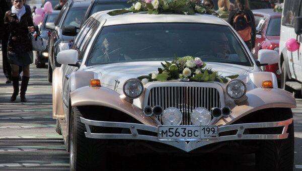 Свадебный лимузин. Архивное фото