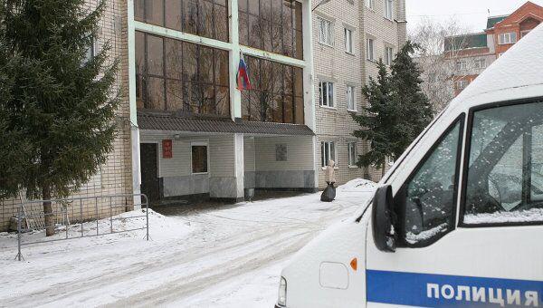 У входа в отделение полиции Вишневский-2 в Казани