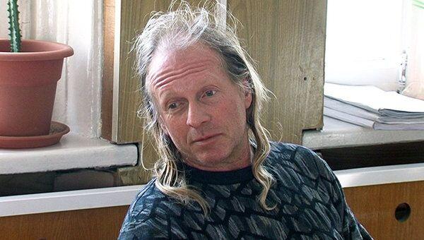 Певца Криса Кельми оставили под арестом. Кадры из зала суда