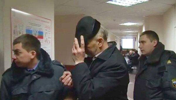 Владелец помещения, где сгорели 17 человек, на суде прятал лицо от камер