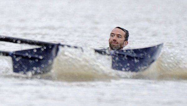 Пловец помешал проведению регаты на Темзе