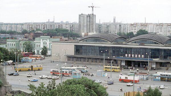 Челябинский железнодорожный вокзал. Архивное фото