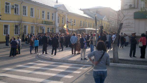 Часть митингующих в поддержку Шеина пыталась пройти к мэрии Астрахани
