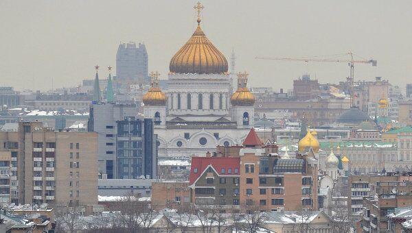 Вид на храм Христа Спасителя со стороны Комсомольского проспекта