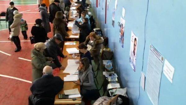 Видео с избирательных участков в Астрахани, которое отсматривал Владимир Чуров