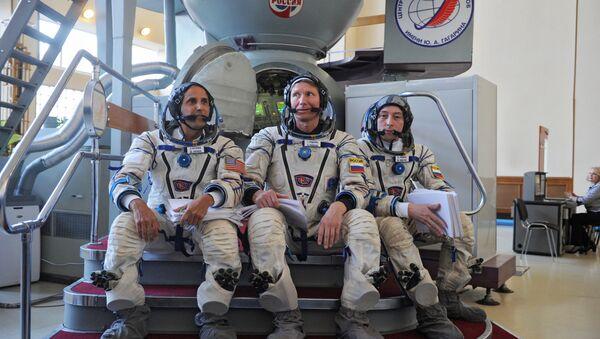 Тренировка  экипажа МКС. Архивное фото