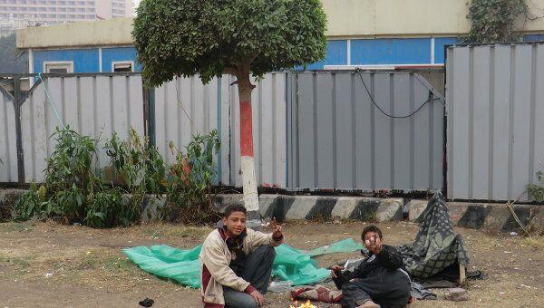Бездомные дети на улицах Каира. Архивное фото