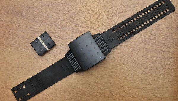 Электронный браслет для контроля за заключенными.