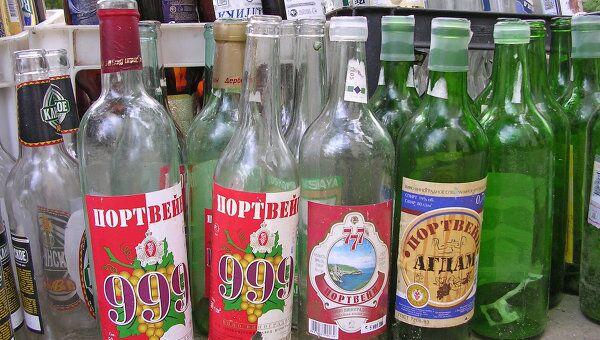 Медведев поручил ограничить алкоголь в правах