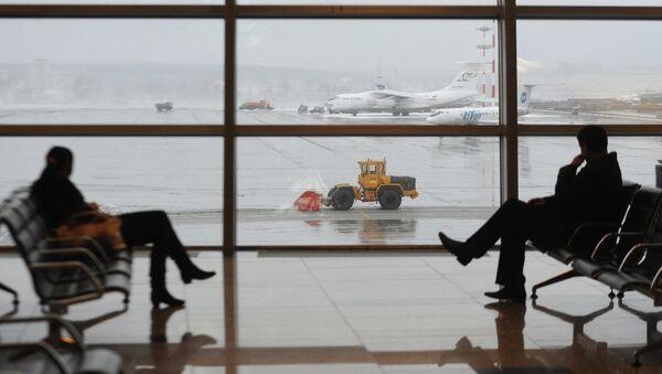 Пассажирский терминал аэропорта, фото из архива