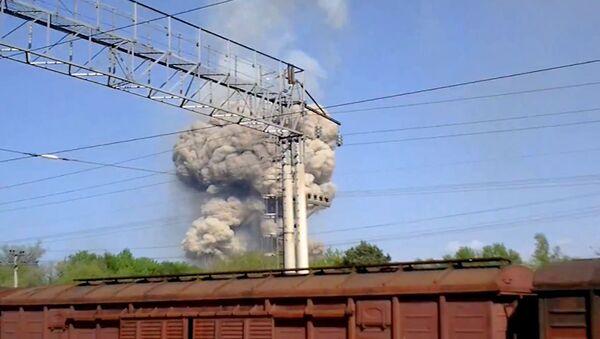 Взрывы на складе боеприпасов в Приморье