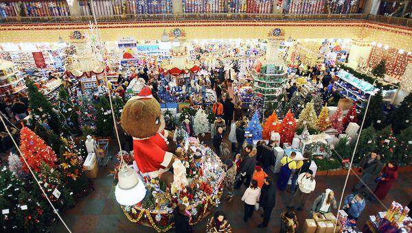 Продажа новогодних украшений и подарков