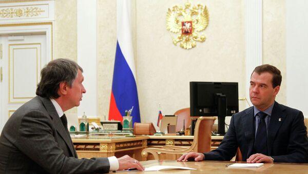 Премьер-министр РФ Д.Медведев провел встречу с Игорем Сечиным