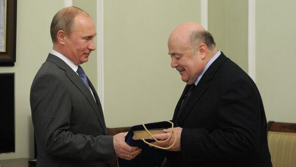 Владимир Путин поздравил Александр Калягина с юбилеем