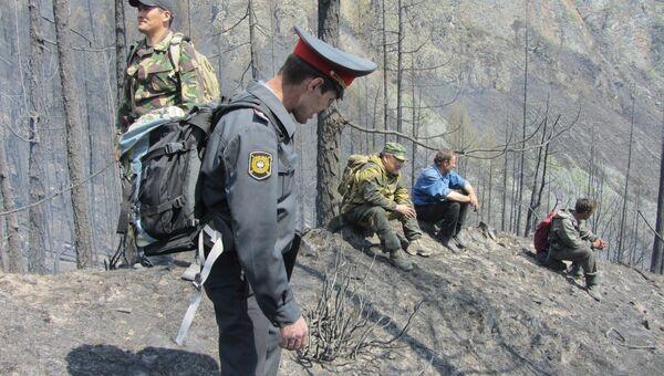 Поисковый отряд на месте пожара в Барум-Хемчикском районе Тувы