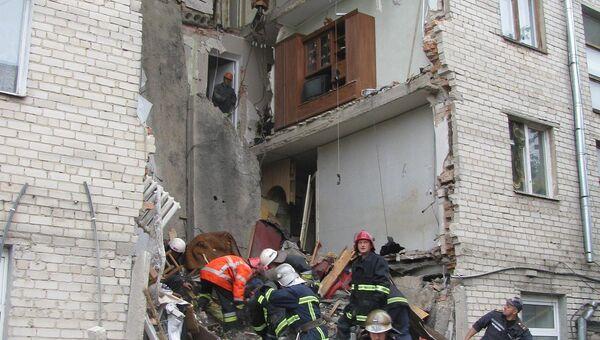 Пятиэтажный дом обрушился в Луцке на западе Украины