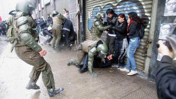 Акция противников Пиночета переросла в беспорядки в Чили