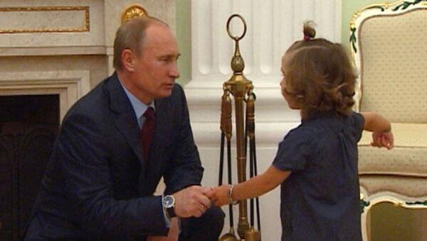 Вера Смольникова, которой пересадили сердце, стеснялась на встрече с Путиным