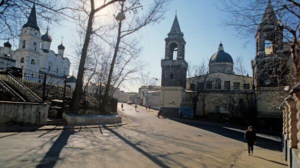 Храм Святого Владимира и Ивановский женский монастырь