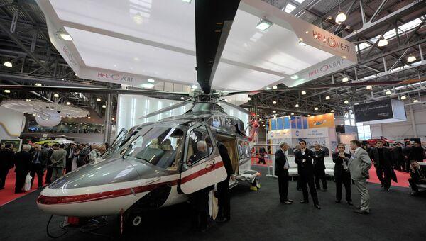 Двухмоторный многоцелевой вертолет AgustaWestland AW139. Архив