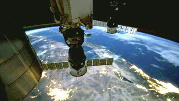 Северное сияние и огни городов, или Как выглядит ночная Земля с борта МКС
