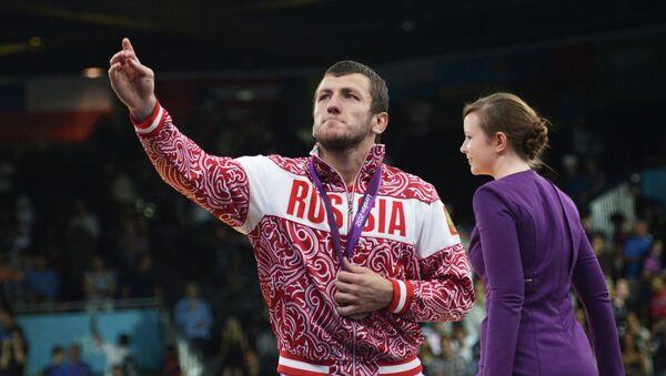 Российский борец Денис Царгуш, завоевавший бронзовую медаль на соревнованиях по вольной борьбе