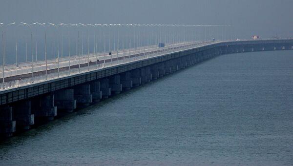 Эстакадный мост Полуостров Де-Фриз - Седанка, архивное фото