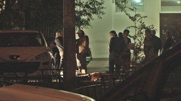 Cледователи работают на месте убийства cледователя Александра Леонова