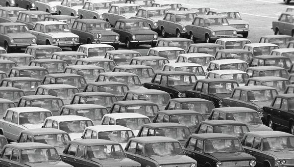 АвтоВАЗ - Волжский автомобильный завод (ВАЗ) в городе Тольятти Самарской области. Архив