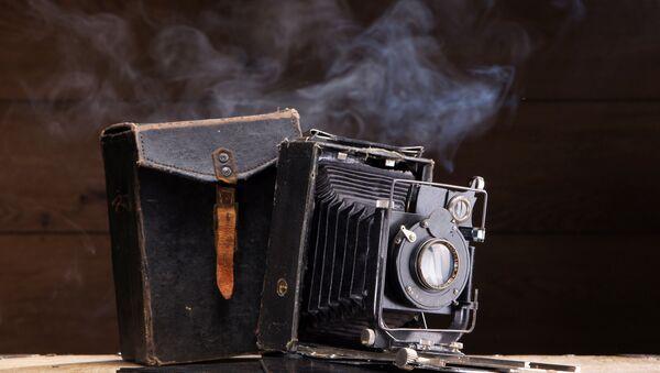 Старинный фотоаппарат. Архивное фото
