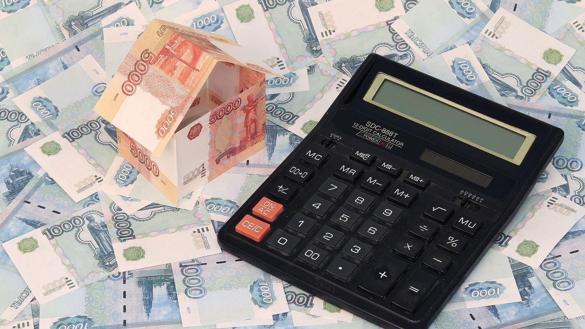Финансист назвал правильное время для заработка на рубле