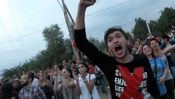 Акция протеста против насилия в тюрьмах в Тбилиси